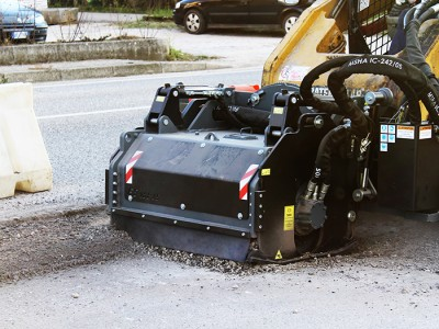 FS55.15 Straßenfräse 830 Kg Arbeitsbreite 550 mm